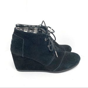 Toms Desert Wedge Black Suede Lace Up Ankle Boot